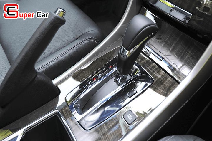 Bó phanh tay, kẹt phanh khiến xe bạn ngốn xăng hơn bình thường
