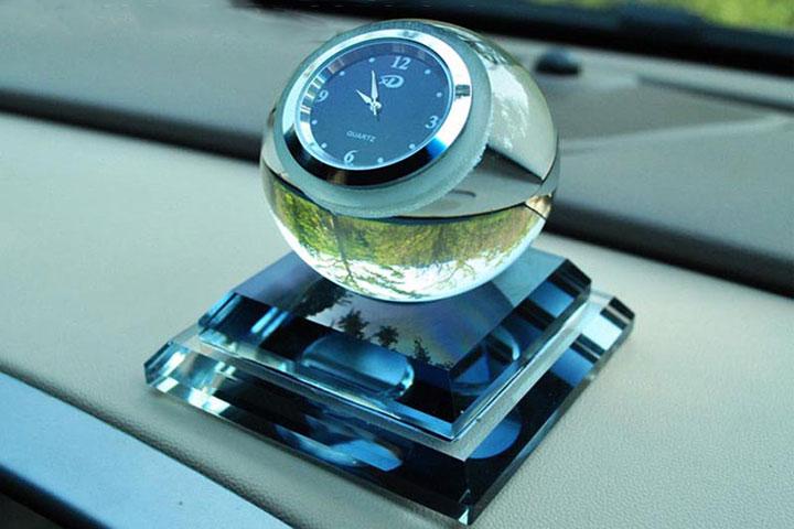 Nước hoa đồng hồ được thiết kế đẹp mắt, sang trọng