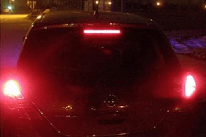 Đèn Led cảnh báo sau xe