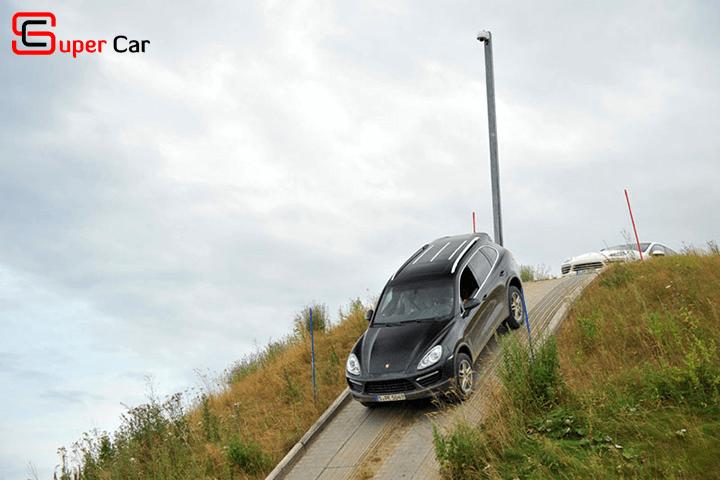 Kỹ thuật lái xe ô tô số tự động an toàn 2