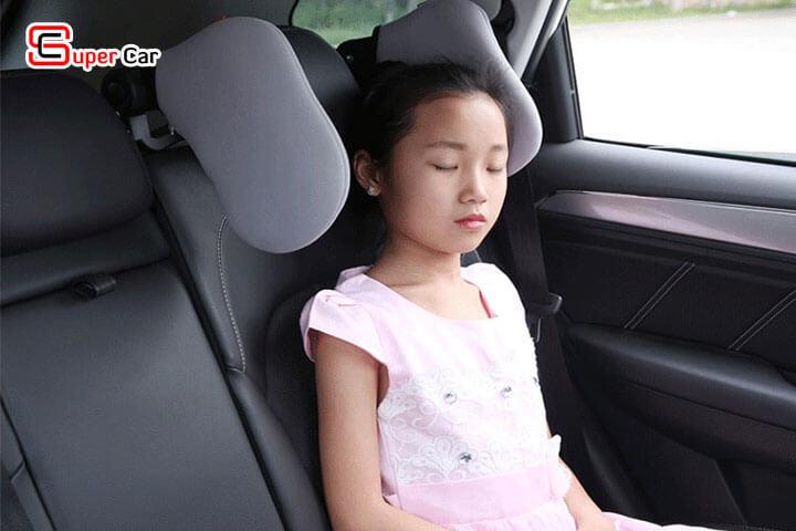Gối tựa đầu ô tô khi ngủ 2