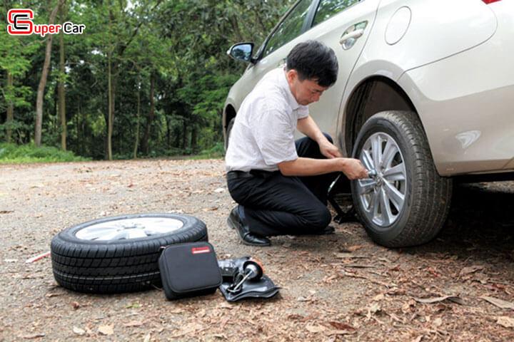Hướng dẫn thay thế lốp xe ô tô 1