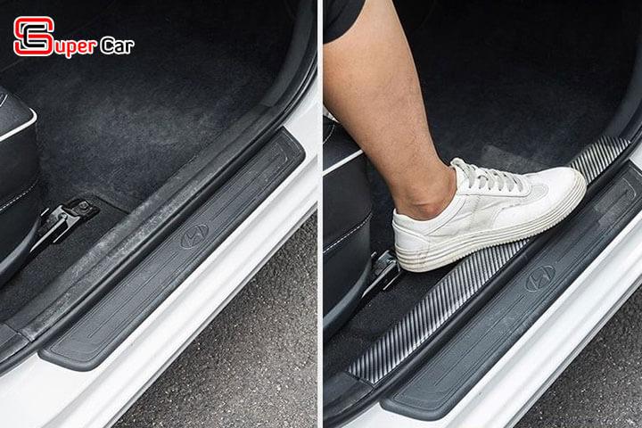 Nẹp carbon chống trầy xước xe ô tô 2