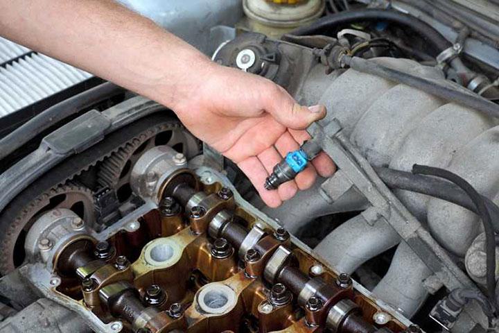 Đổ nhầm nhiên liệu cho xe ô tô 1